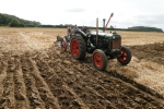 allan-newman-with-his-1944-fordson-standard-n-with-a-trailing-rslb-no-15-2-furrow-plough-5